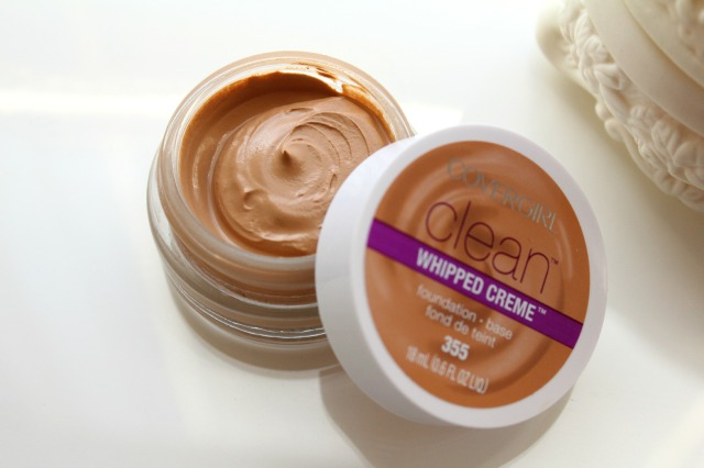 Covergirl Clean Whipped Creme Foundation Soft Honey 355
